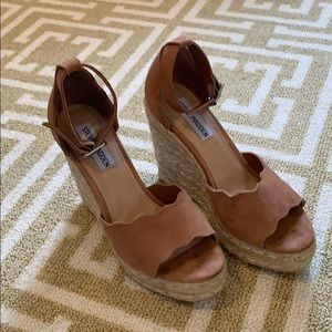 Steve Madden tan suede wedges size 7